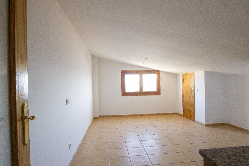 Piso en venta en Corbera D`ebre, Tarragona, Calle Major, 59.000 €, 2 habitaciones, 1 baño, 80 m2