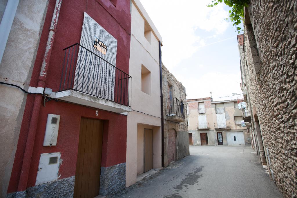 Piso en venta en Almatret, Lleida, Calle Sortetes, 15.000 €, 1 baño, 148 m2