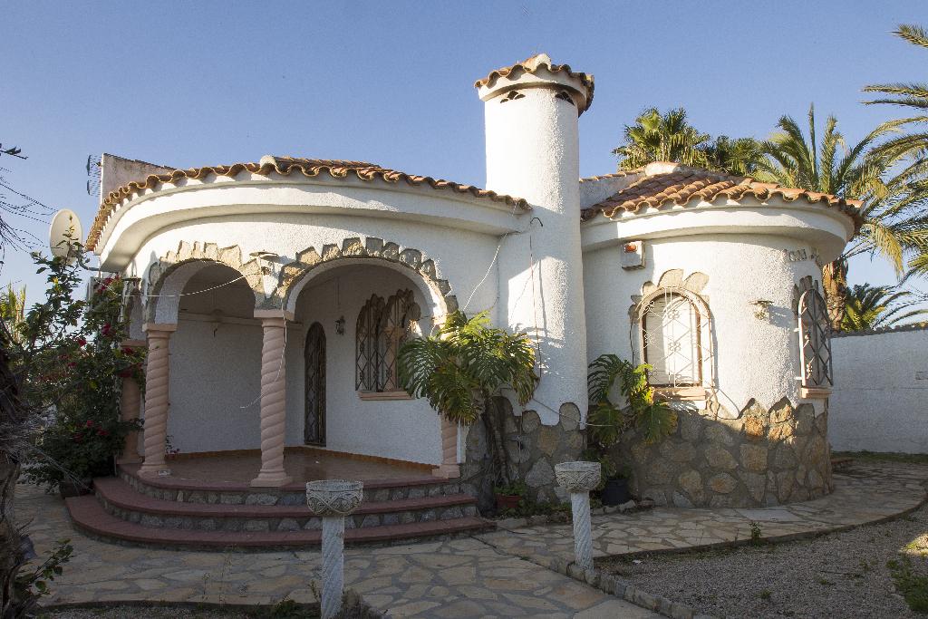 Casa en venta en Mont-roig del Camp, Tarragona, Calle de la Merce, 181.500 €, 2 habitaciones, 2 baños, 104 m2