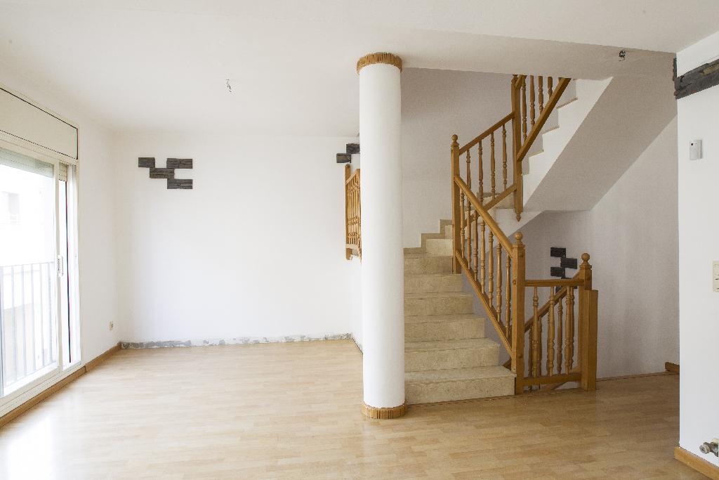 Casa en venta en Bellvei, Tarragona, Calle Reforma, 112.500 €, 4 habitaciones, 3 baños, 152 m2