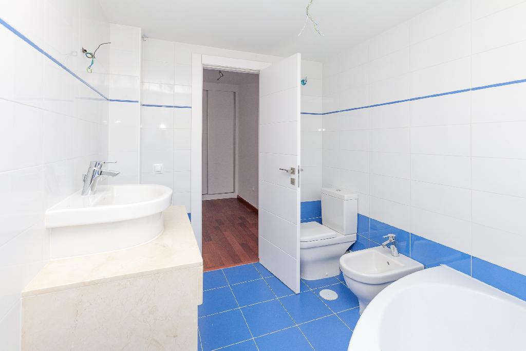 Casa en venta en Casa en Almería, Almería, 299.000 €, 3 habitaciones, 3 baños, 235 m2