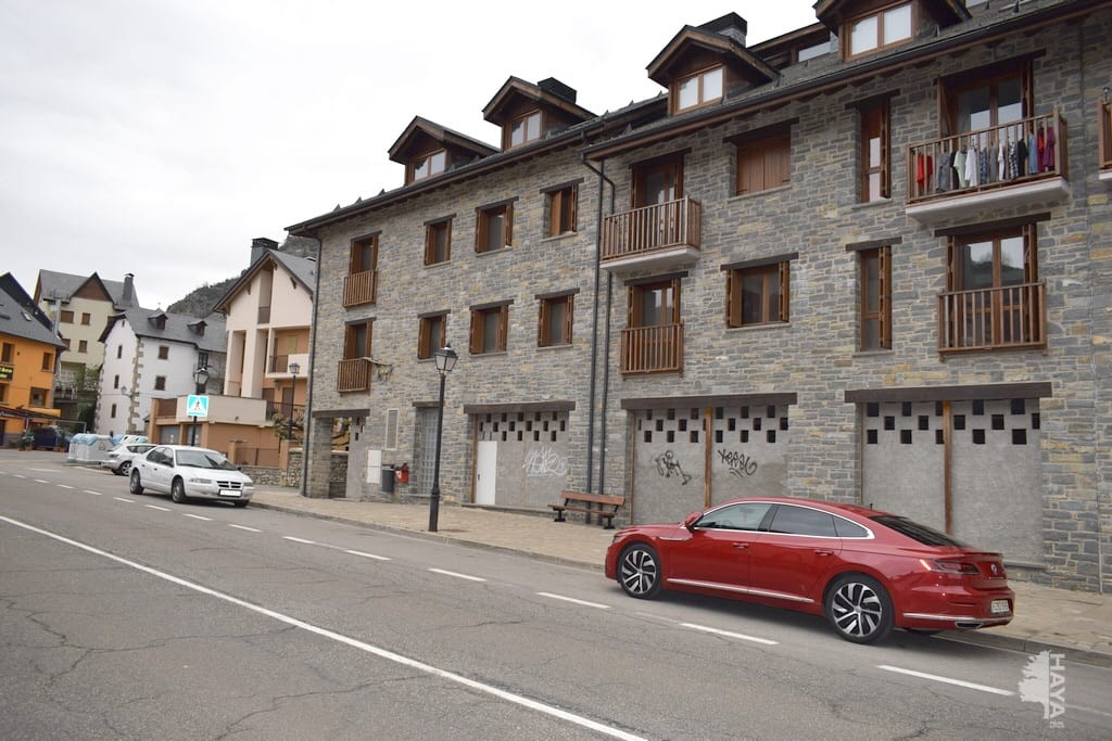 Piso en venta en Sallent de Gállego, Sallent de Gállego, Huesca, Barrio Vico, 94.000 €, 1 habitación, 2 baños, 43 m2