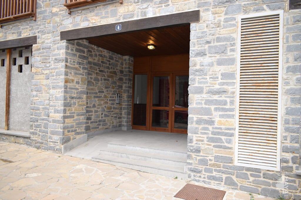 Piso en venta en Piso en Sallent de Gállego, Huesca, 140.000 €, 2 habitaciones, 2 baños, 49 m2