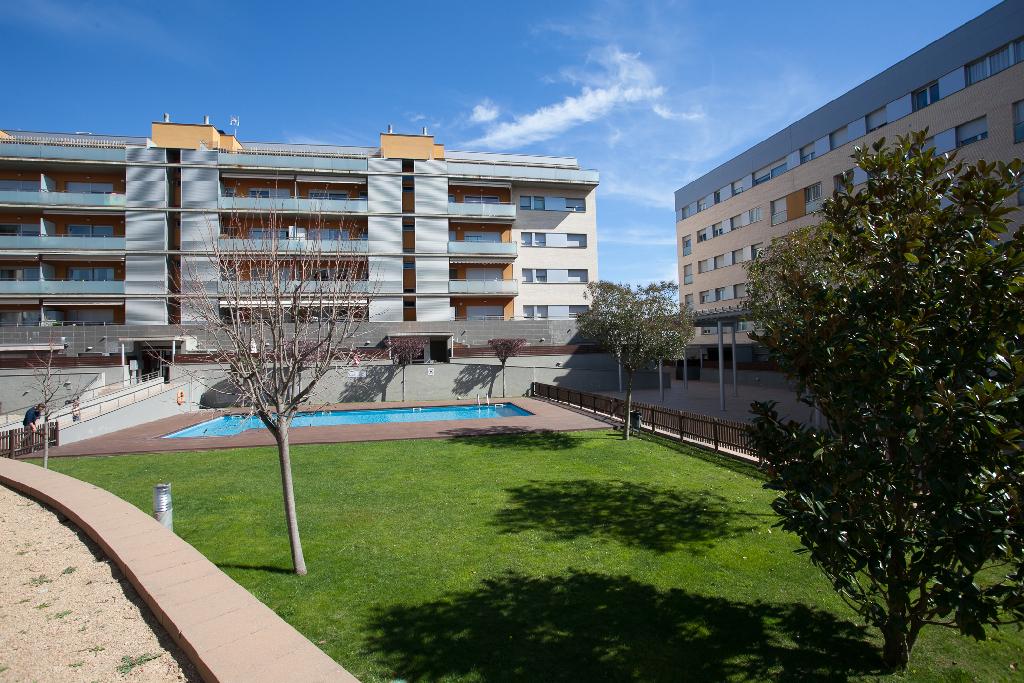 Piso en venta en Vilatenim, Figueres, Girona, Calle Ponent, 204.000 €, 3 habitaciones, 2 baños, 130 m2