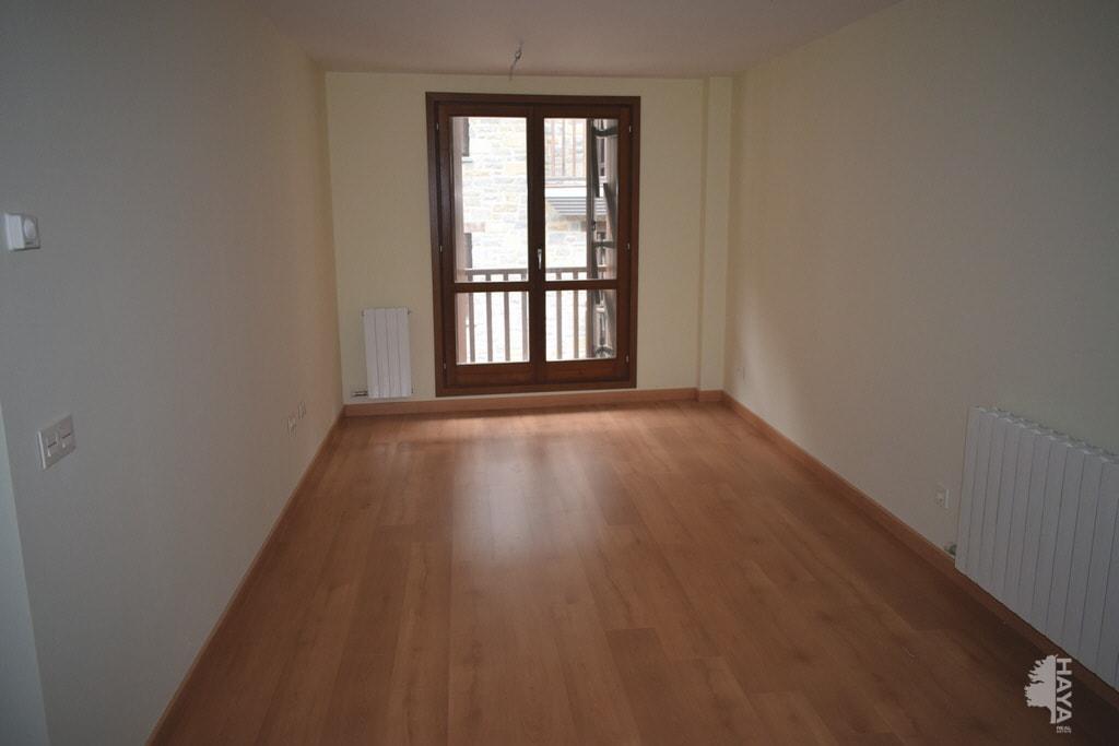 Piso en venta en Piso en Sallent de Gállego, Huesca, 105.000 €, 1 habitación, 2 baños, 44 m2