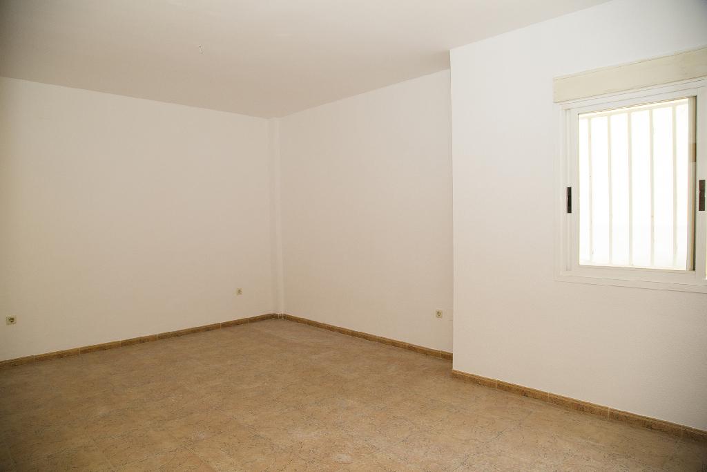 Piso en venta en Barrio de Tiradores, Cuenca, Cuenca, Calle Eusebio Sempere, 74.500 €, 1 habitación, 1 baño, 65 m2