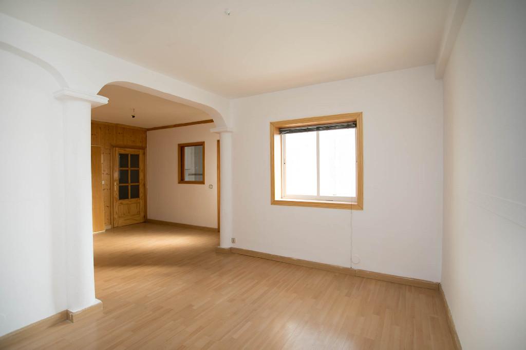 Piso en venta en Pozuelo Estación, Pozuelo de Alarcón, Madrid, Calle Doctor Cornago, 202.500 €, 2 habitaciones, 1 baño, 77 m2