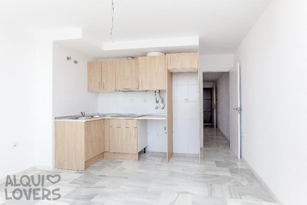 Piso en venta en Urbanización Roquetas de Mar, Roquetas de Mar, Almería, Calle Rosita Ferrer, 69.000 €, 1 habitación, 1 baño, 40 m2