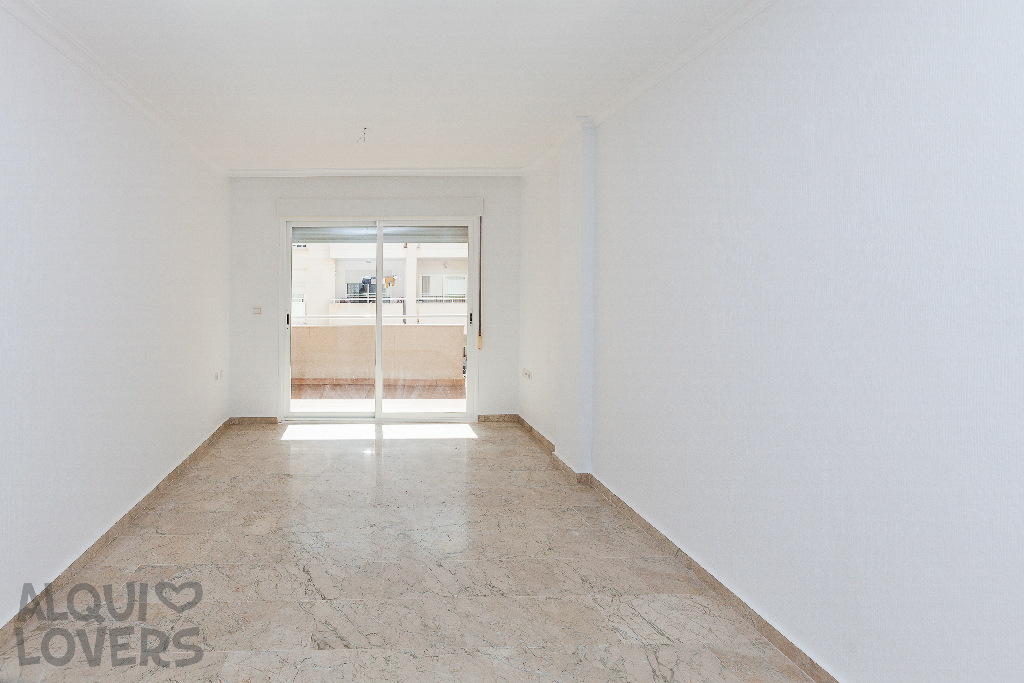 Piso en venta en Los Depósitos, Roquetas de Mar, Almería, Calle Reino de España, 154.500 €, 2 habitaciones, 2 baños, 91 m2
