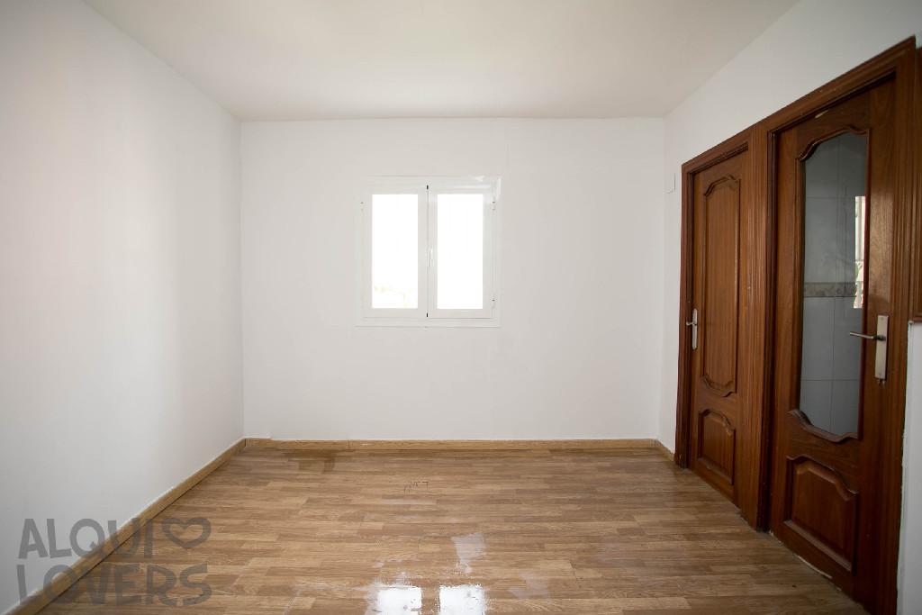 Piso en venta en Madrid, Madrid, Calle Gallur, 136.000 €, 3 habitaciones, 1 baño, 63 m2
