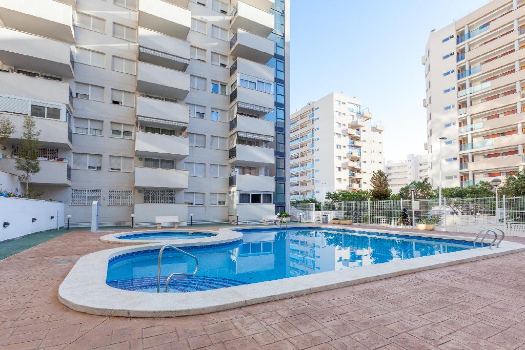 Piso en venta en La Villajoyosa/vila, Alicante, Calle Gregal, 141.500 €, 2 habitaciones, 2 baños, 73 m2