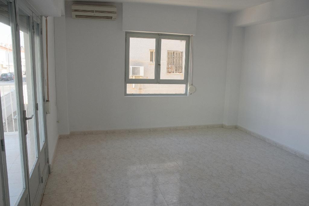 Piso en venta en Santa Pola, Alicante, Calle Guadalajara, 118.500 €, 3 habitaciones, 1 baño, 72 m2