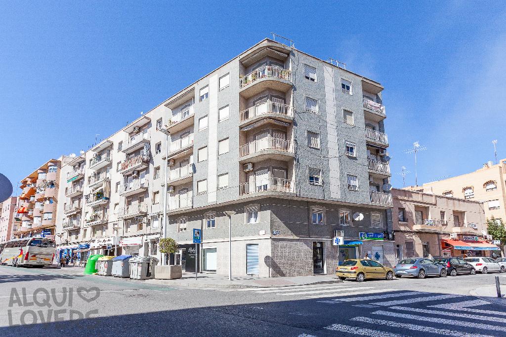 Piso en venta en Elche/elx, Alicante, Calle Gines Garcia Esquitino, 61.000 €, 3 habitaciones, 1 baño, 76 m2