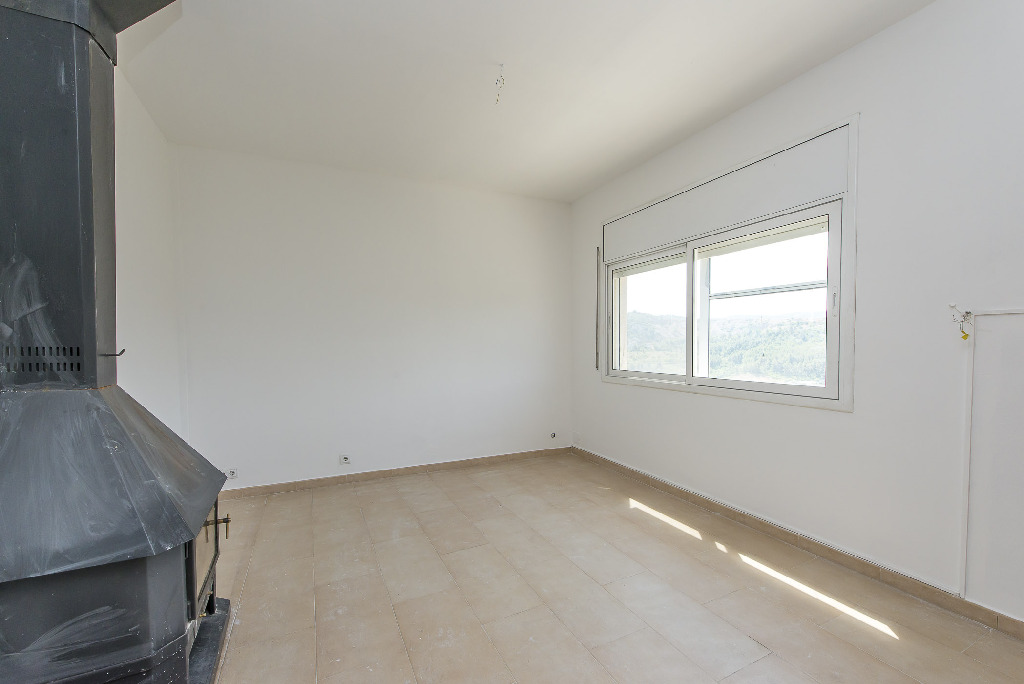 Casa en venta en Vallirana, Barcelona, Calle Gregal, 209.000 €, 4 habitaciones, 2 baños, 101 m2
