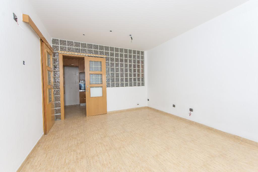 Casa en venta en Sentmenat, Barcelona, Calle Cami Ral de Barcelona, 185.000 €, 5 habitaciones, 2 baños, 385 m2