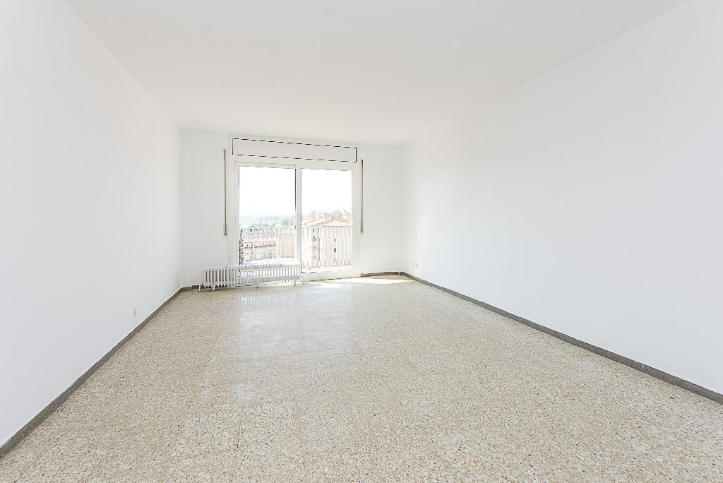 Piso en venta en Vic, Barcelona, Plaza Osona, 70.000 €, 4 habitaciones, 2 baños, 60 m2