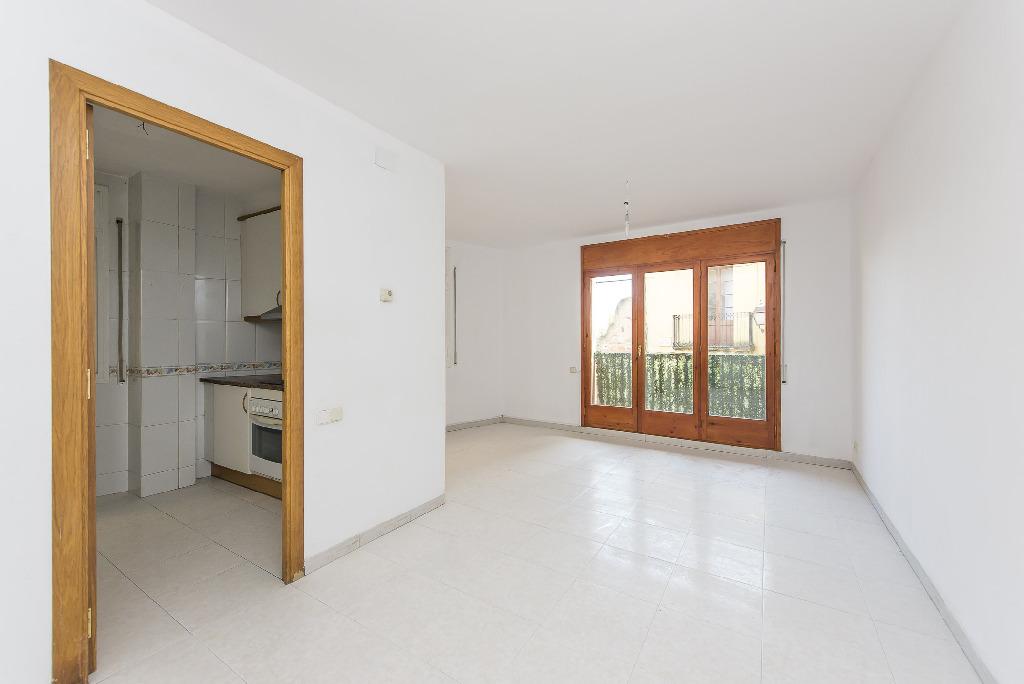 Piso en venta en Sant Feliu de Codines, Barcelona, Calle Agusti Santacruz, 104.500 €, 3 habitaciones, 2 baños, 86 m2