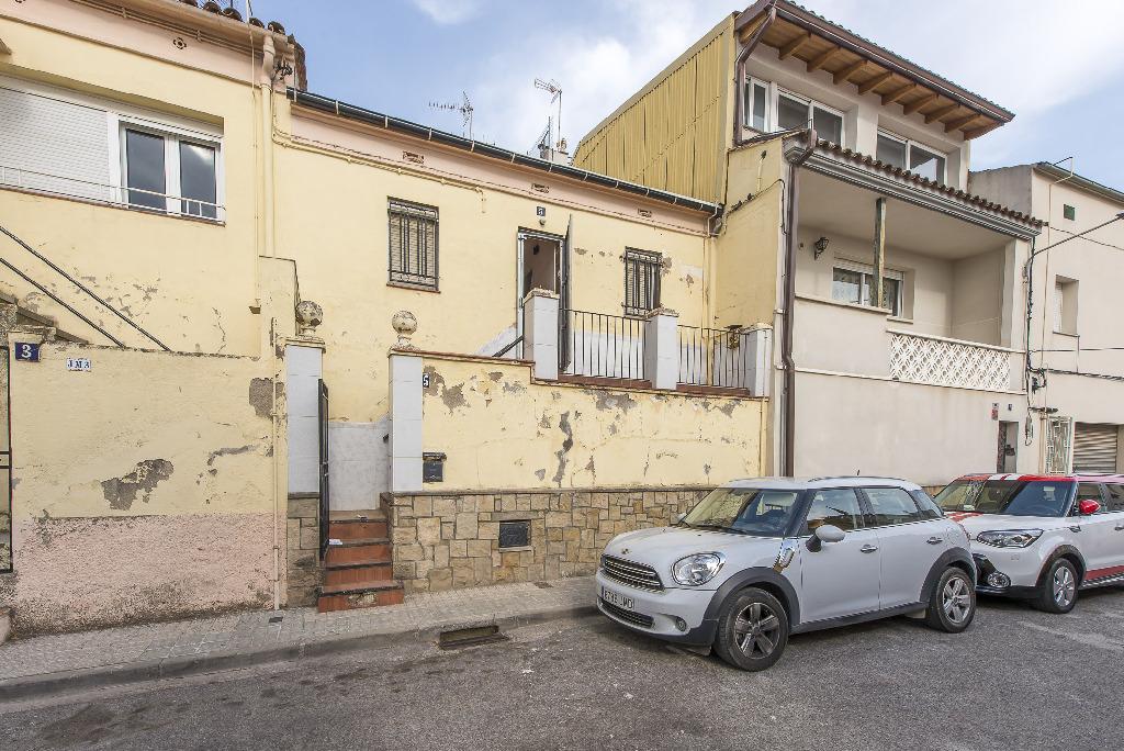 Piso en venta en Manresa, Barcelona, Calle Verge Les Angusties, 28.500 €, 3 habitaciones, 1 baño, 81 m2