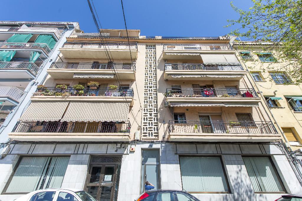 Piso en venta en Mataró, Barcelona, Calle Rosello, 70.000 €, 3 habitaciones, 1 baño, 73 m2
