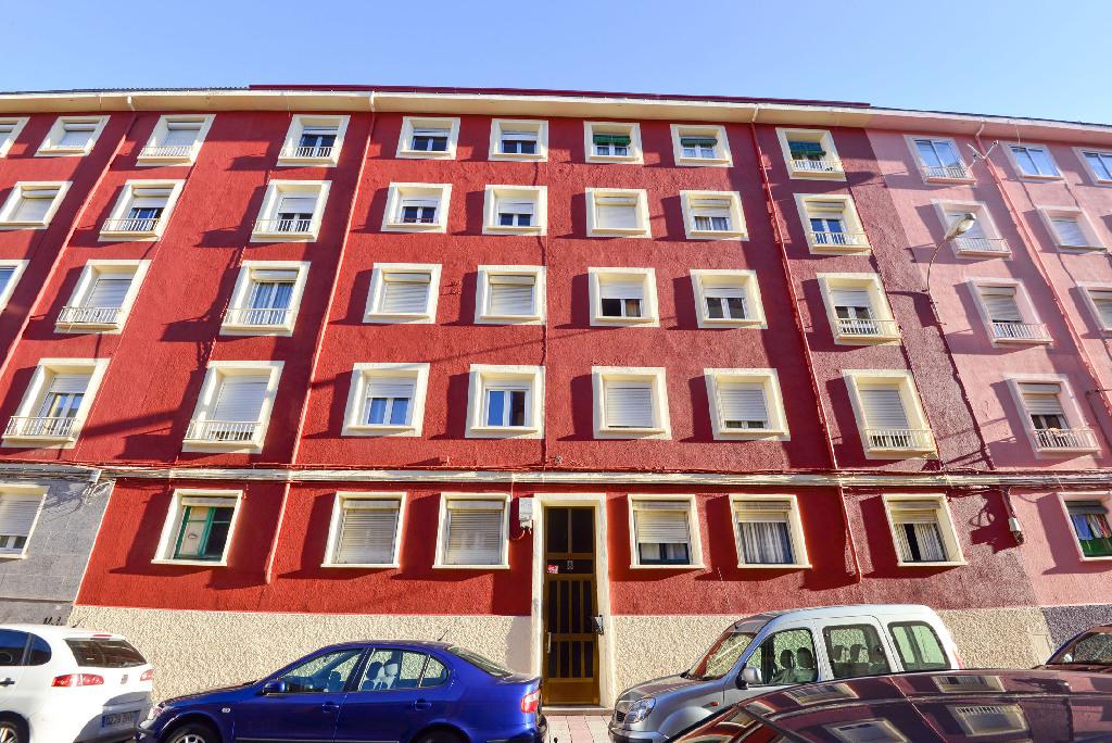 Piso en venta en León, León, Calle la Rubiana, 60.000 €, 3 habitaciones, 1 baño, 75 m2