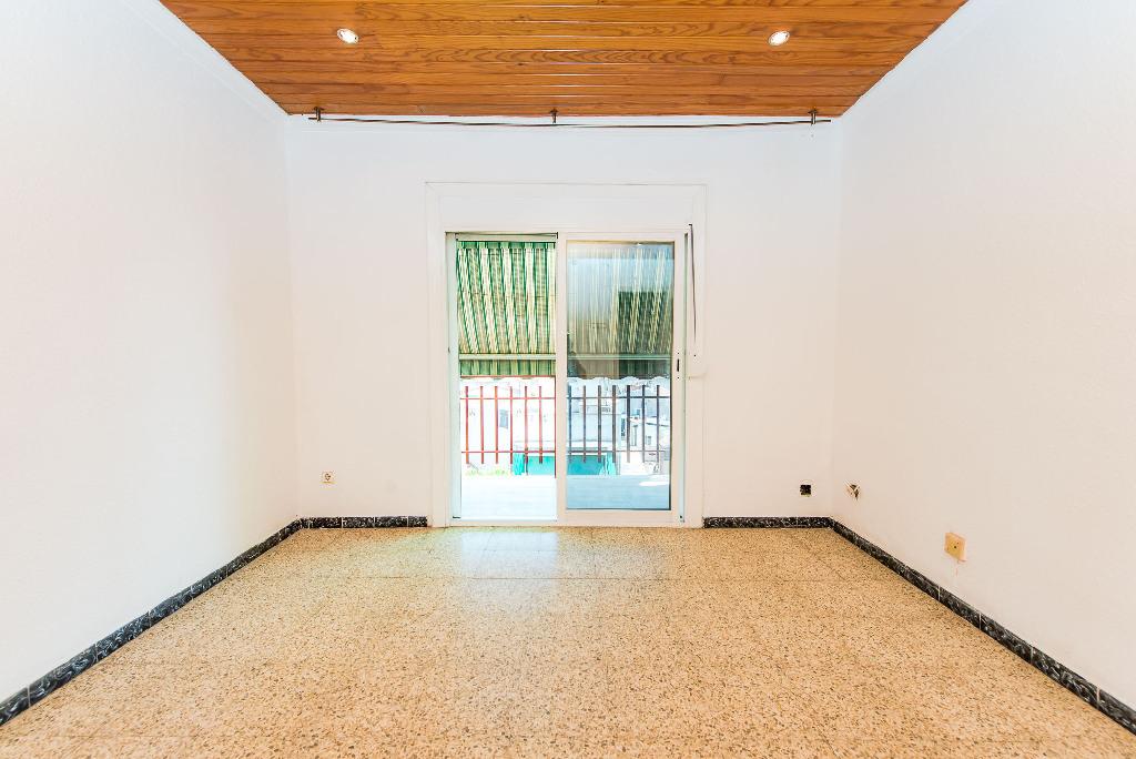 Piso en venta en Canovelles, Barcelona, Calle Sant Jordi, 48.000 €, 1 baño, 63 m2