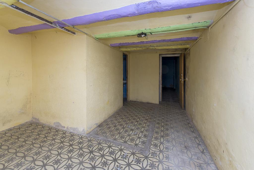 Casa en venta en Caldes de Malavella, Girona, Rambla Recolons, 76.000 €, 4 habitaciones, 1 baño, 130 m2