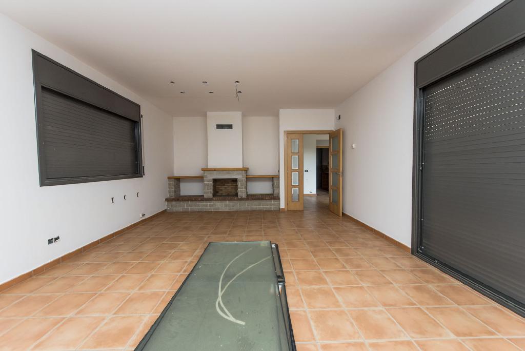 Casa en venta en Vallgorguina, Barcelona, Calle Turo de L Home, 230.000 €, 4 habitaciones, 3 baños, 285 m2