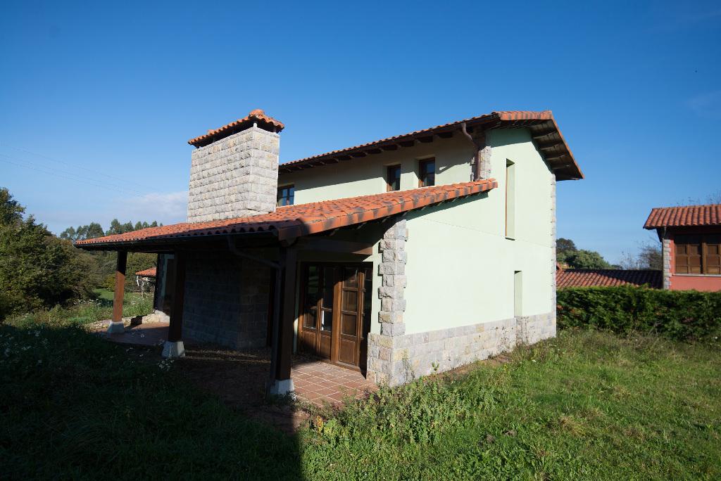 Casa en venta en Llanes, Asturias, Lugar Celorio, 230.000 €, 4 habitaciones, 4 baños, 215 m2