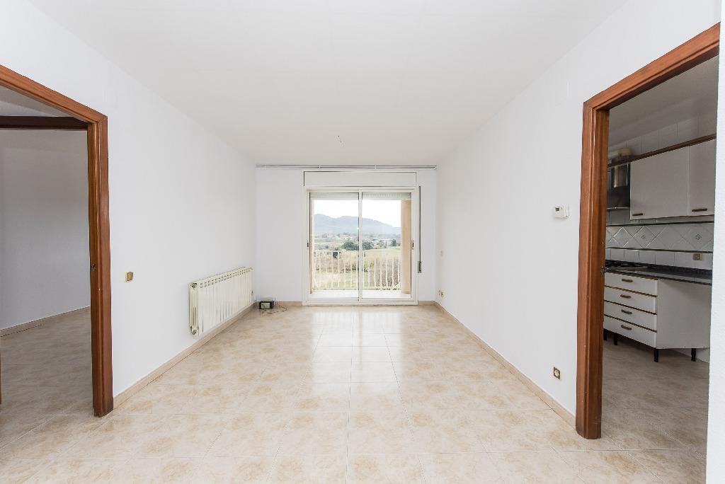 Piso en venta en Palafolls, Barcelona, Calle Montblanch, 102.500 €, 3 habitaciones, 2 baños, 82 m2