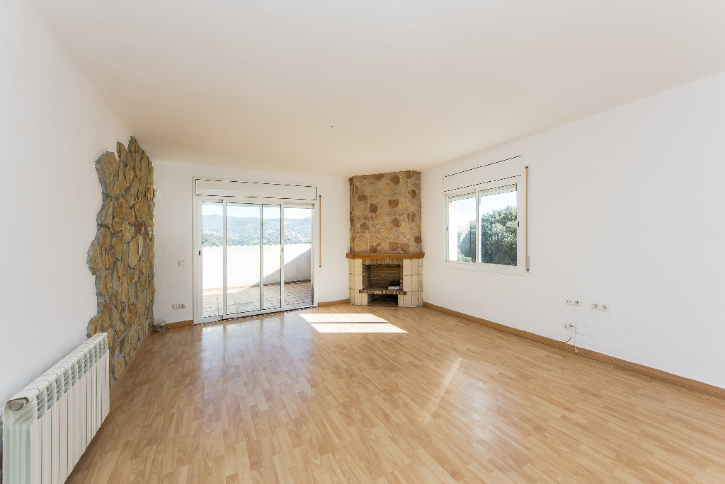 Casa en venta en Bigues I Riells, Barcelona, Calle Galceran, 289.500 €, 3 habitaciones, 3 baños, 272 m2