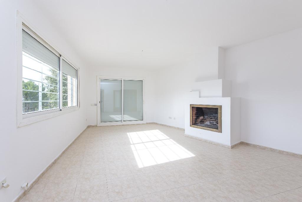 Casa en venta en L` Ametlla del Vallès, Barcelona, Carretera Sant Bartomeu, 192.000 €, 3 habitaciones, 2 baños, 119 m2