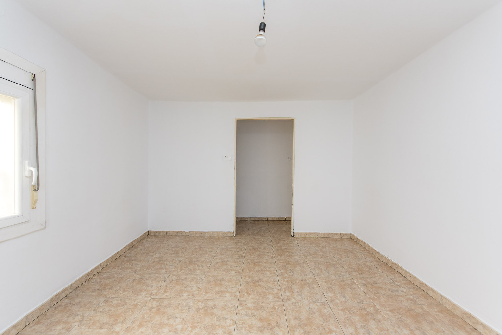 Piso en venta en Canovelles, Barcelona, Calle Porvenir, 62.500 €, 3 habitaciones, 1 baño, 51 m2