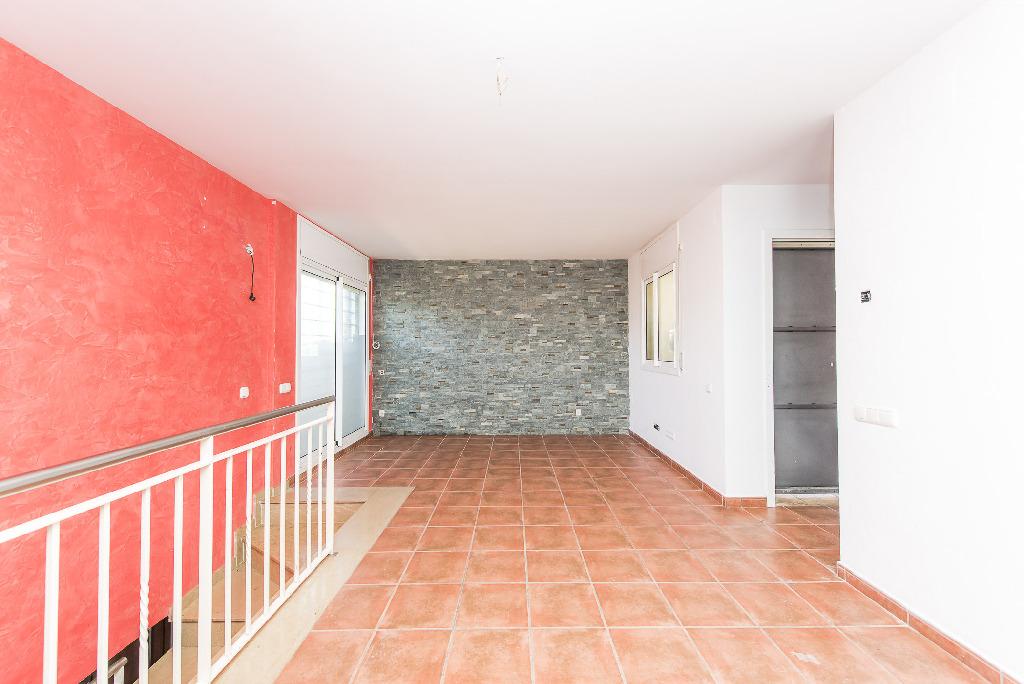 Casa en venta en Piera, Barcelona, Calle Dels Pins, 172.000 €, 4 habitaciones, 2 baños, 169 m2