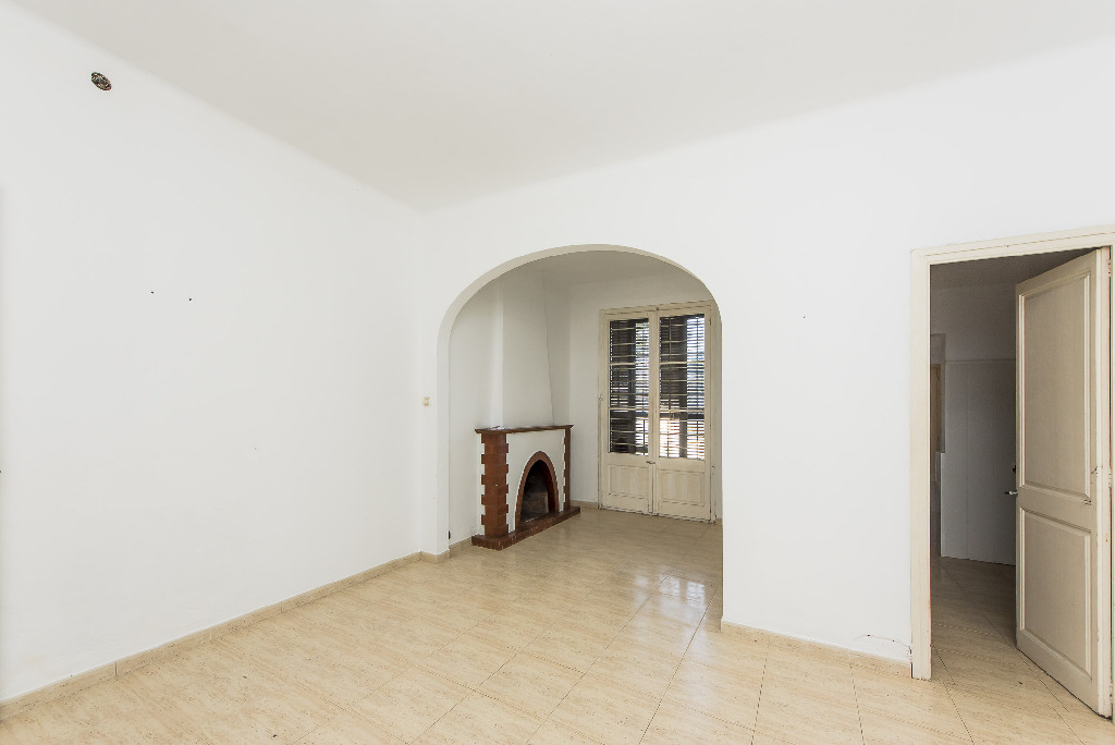 Piso en venta en Canet de Mar, Barcelona, Calle Balmes, 185.000 €, 3 habitaciones, 2 baños, 160 m2