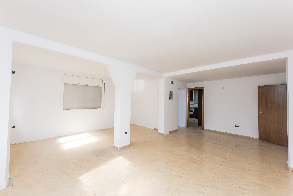 Casa en venta en Tordera, Barcelona, Calle Malgrat de Mar, 146.500 €, 3 habitaciones, 2 baños, 138 m2
