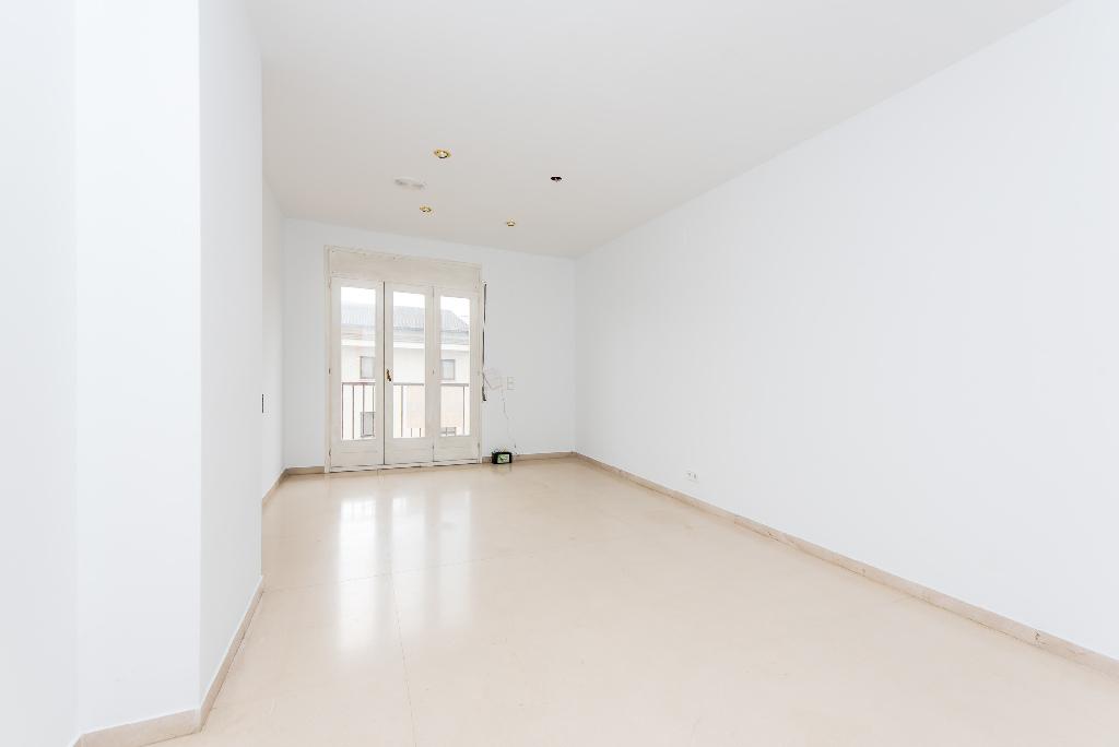 Piso en venta en Manlleu, Barcelona, Calle Nuria, 82.500 €, 3 habitaciones, 1 baño, 107 m2