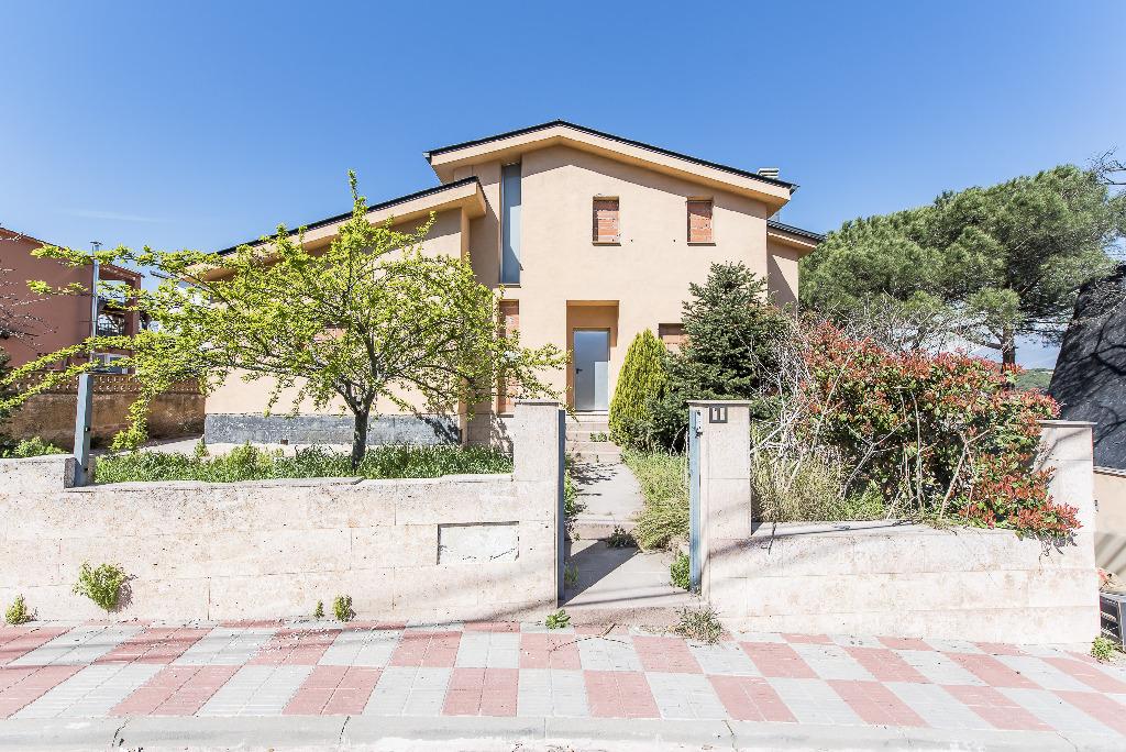 Piso en venta en Vallgorguina, Barcelona, Calle Pinatel/parcela, 243.500 €, 1 baño, 320 m2