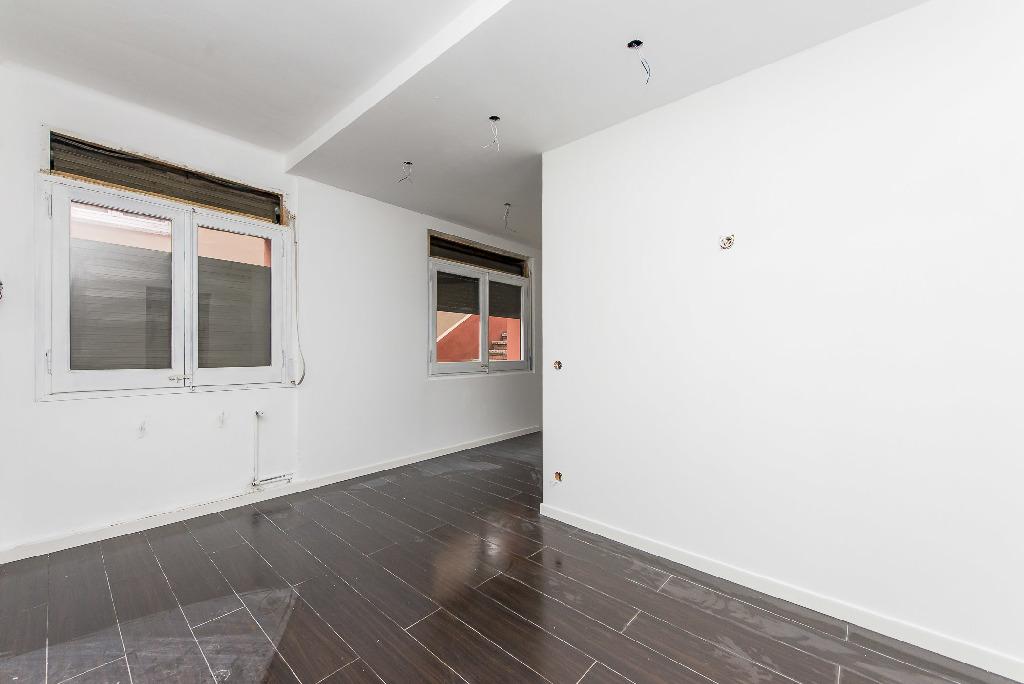 Piso en venta en Aiguafreda, Barcelona, Calle Barcelona, 70.000 €, 2 habitaciones, 1 baño, 91 m2