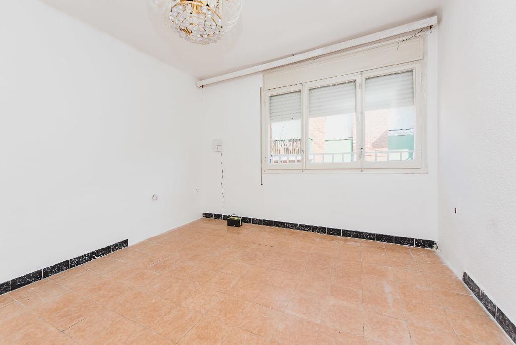 Piso en venta en Cal Ràfols, Vilafranca del Penedès, Barcelona, Paseo Albert Moliner, 89.000 €, 4 habitaciones, 1 baño, 91 m2