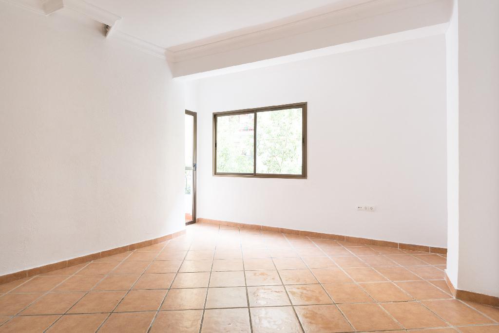 Piso en venta en Málaga, Málaga, Calle Sevilla, 131.500 €, 2 habitaciones, 1 baño, 96 m2