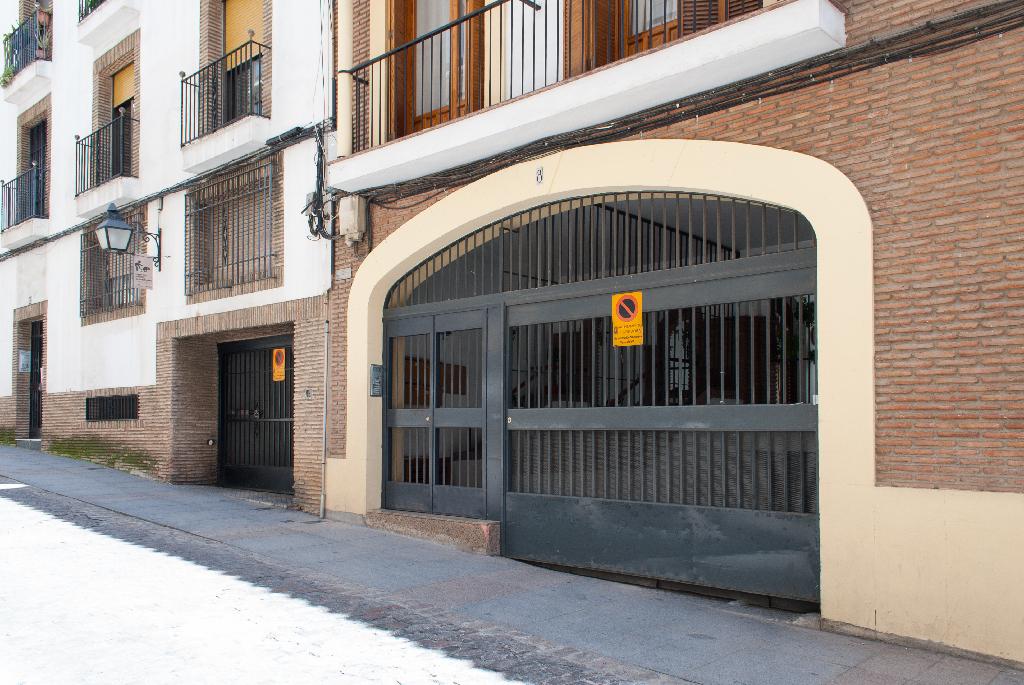 Parking en venta en Distrito Centro, Córdoba, Córdoba, Calle Carbonell Y Morand, 15.300 €, 25 m2