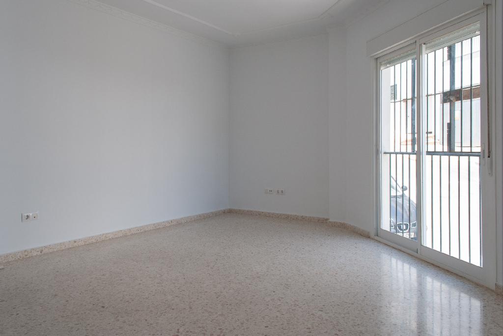 Piso en venta en Alcalá de los Gazules, Cádiz, Calle Benalup, 32.000 €, 1 habitación, 1 baño, 83 m2