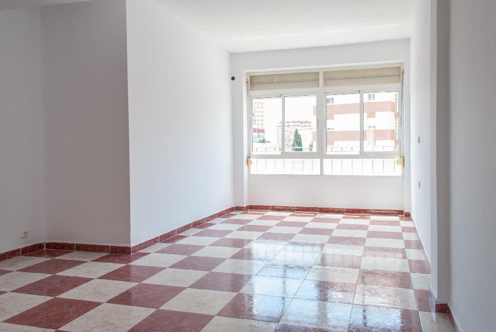 Piso en venta en Algeciras, Cádiz, Avenida Virgen del Carmen, 55.593 €, 2 habitaciones, 1 baño, 87 m2