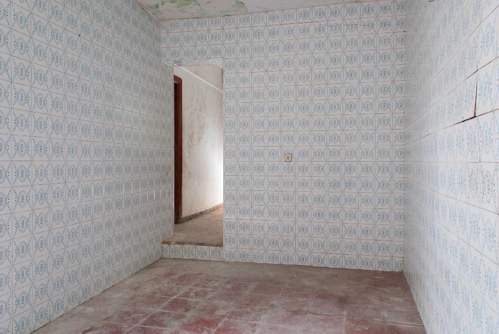 Casa en venta en Algeciras, Cádiz, Calle Huesca, 9.000 €, 3 habitaciones, 2 baños, 92 m2
