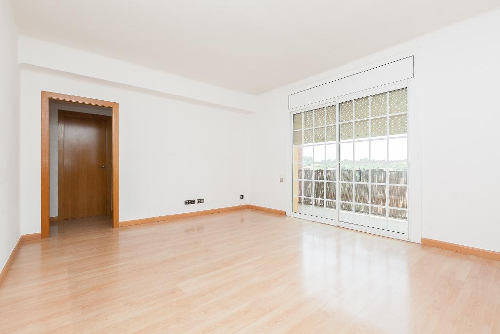 Piso en venta en Sant Pere de Riudebitlles, Barcelona, Calle Carretera, 63.000 €, 3 habitaciones, 1 baño, 98 m2