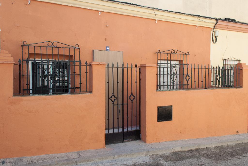 Piso en venta en Jerez de la Frontera, Cádiz, Calle Teodoro Molina, 37.500 €, 1 habitación, 1 baño, 118 m2