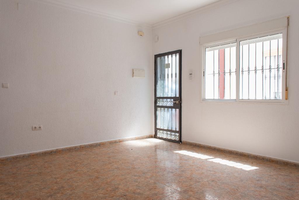 Piso en venta en Isla Cristina, Huelva, Calle Catalanes, 59.500 €, 2 habitaciones, 1 baño, 65 m2