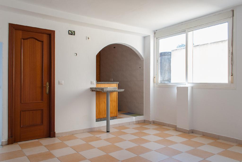 Piso en venta en Jerez de la Frontera, Cádiz, Calle la Gloria Fray Jesus Fernandez, 23.500 €, 1 habitación, 1 baño, 118 m2