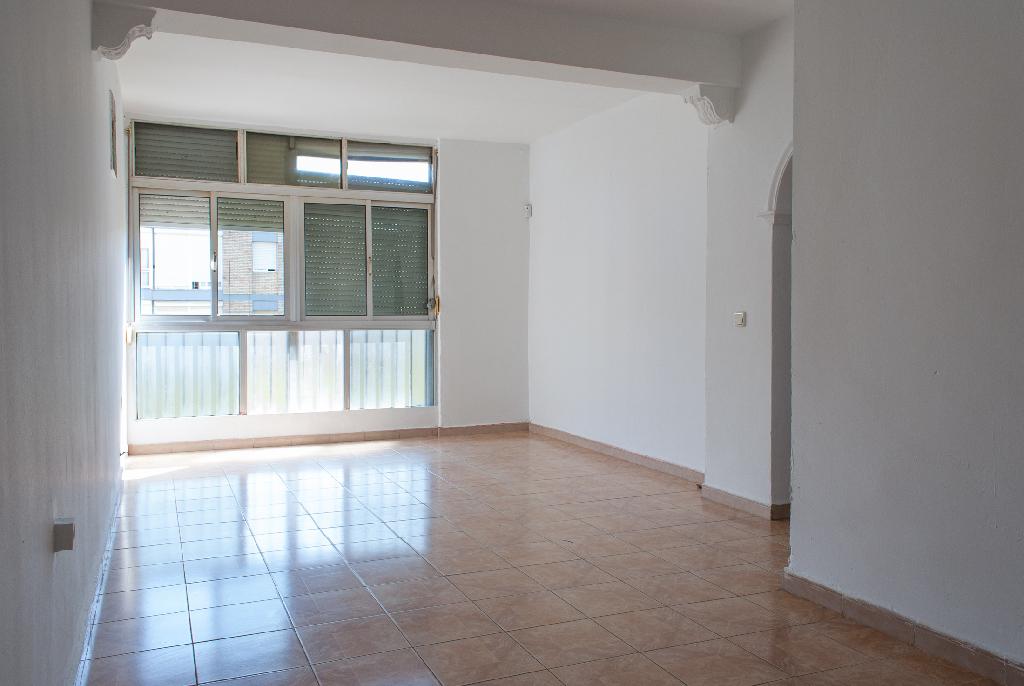 Piso en venta en Jerez de la Frontera, Cádiz, Avenida Tomas Garcia Figueras, 44.000 €, 4 habitaciones, 1 baño, 80 m2