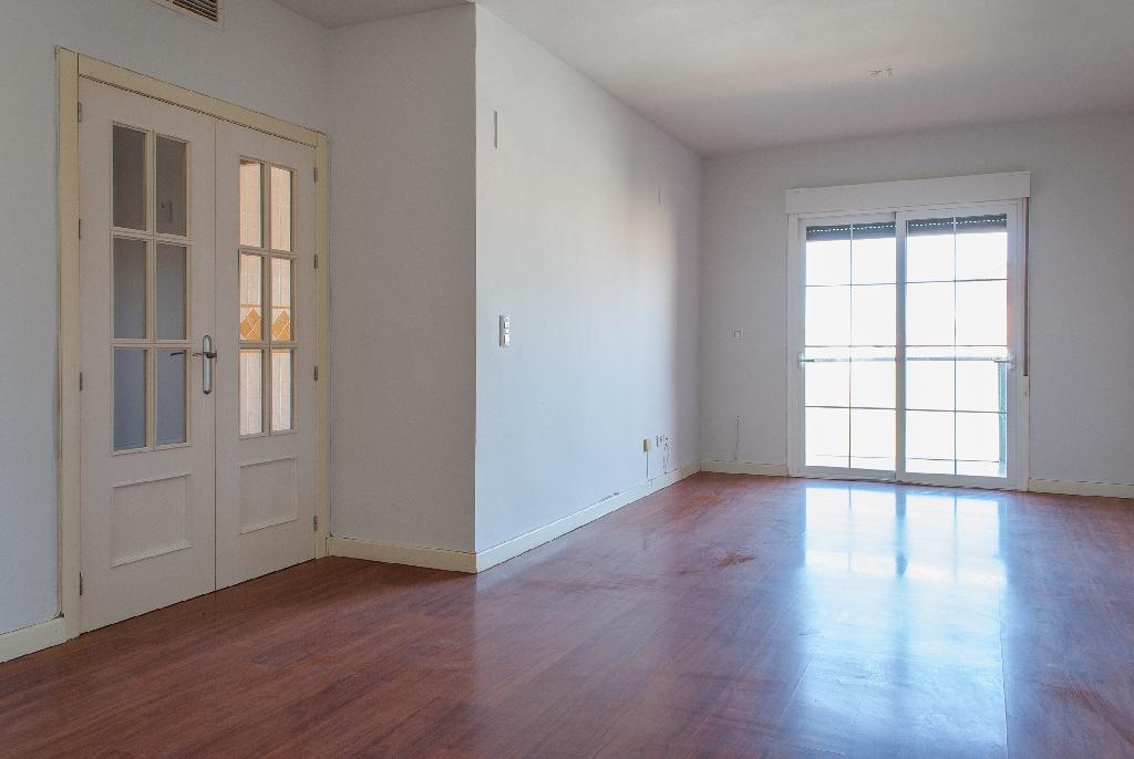Piso en venta en Córdoba, Córdoba, Calle Manolete, 235.500 €, 3 habitaciones, 2 baños, 110 m2